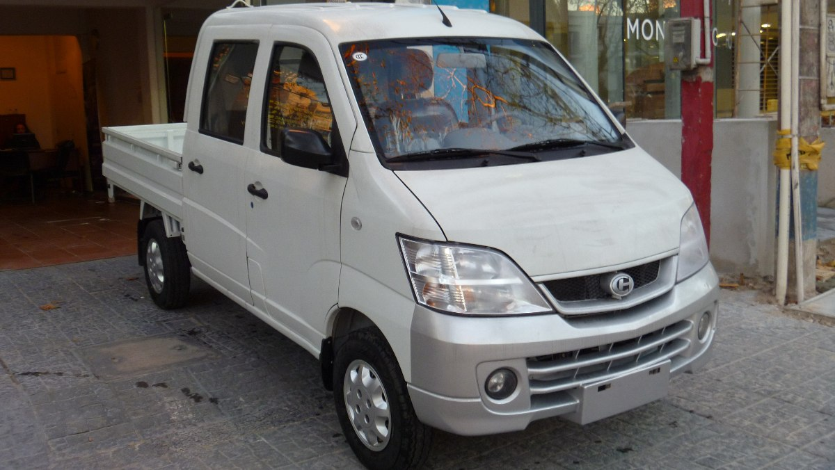 http://www.milanmotors.com.uy/wp-content/uploads/2014/08/changhe-doble-cabina-0km-cairbags-y-abs-entrega-usd-5900-15830-MLU20110221531_062014-F.jpg